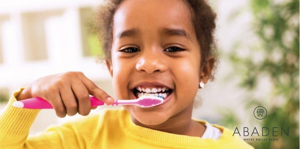 ¿Cómo cuidar los primeros dientes?