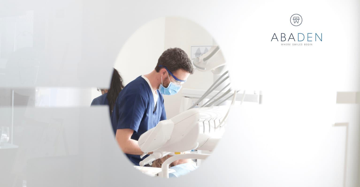 Dentista en Barcelona de Confianza – 12 pistas