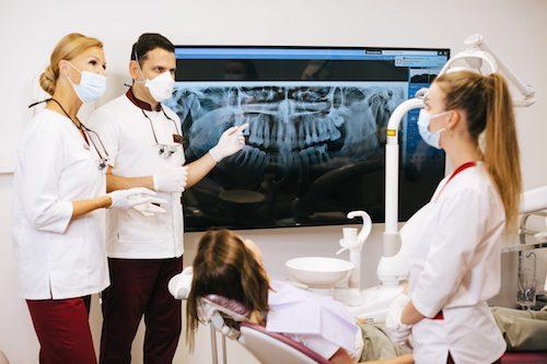 Dentistas en Lloret de Mar - Comparativa 10 dentistas de Lloret